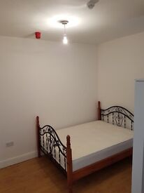 SEVERAL New Renovated studio flats.£450 Monthly.INCLUDES all bills & WIFI.10mins city & DMU and M1.