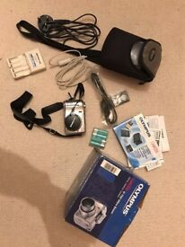 Olympus C-750 Ultra Zoom Camedia Digital Camera with Box and all accessories