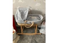 Moses basket and rocking stand