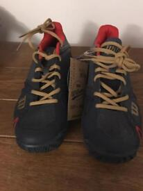 Wilson tennis shoes - 5.5 new