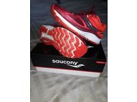 Ladies Saucony Guide 10 running trainers size 4.5