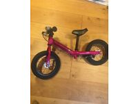 Isla balance bike 2+years, very good condition as used only a few times.kids with a 30cm inside leg