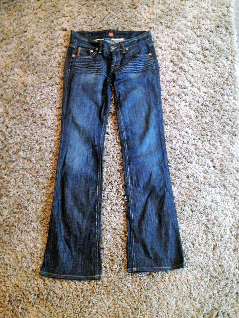 Womens size W28 L34 blue denim Hugo Boss jeansin Sutton Coldfield, West MidlandsGumtree - Womens size W28 L34 blue denim Hugo Boss jeans. Only been worn once as fit isnt right. Paid £85.00 for them a week ago!