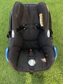 Maxi Cosi Cabriolet Seat and Isofix Base