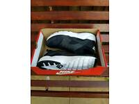 Nike huaraches size 11. Black/white