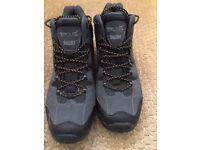 REGATTA ISOTEX Waterproof Walking boots - Nearly brand new! Mens size 9. Bargin price...