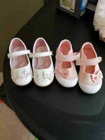 Little girls shoes size 8