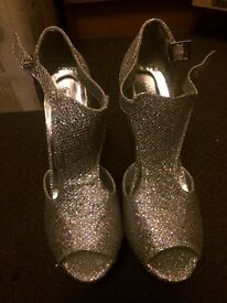 Glitter Parmars heels, never worn size 6