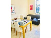 beautiful 2 bedroom flat for two people in zone 1. Walking distance to Euston station,