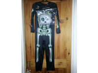 BNWT Boys Halloween Skeleton Costume with Mask, Age 7-8 years