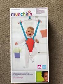 MUNCHKIN Bounce About Bouncer