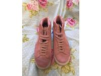 Limited Edition Pink Nike Blazers size 6