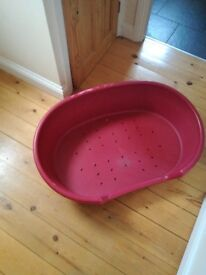 FREE Red large dog bed (suitable for breeds such as collies and labradors) (collection only)