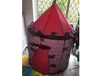 Children's play tent/castle (soft material)