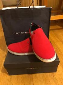TOMMY HILFIGER slip on sneakers in Tango Red