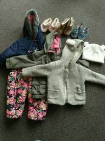 Girl's clothes (9-12m)