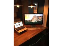 """Apple 27"""" Thunderbolt display. 2560 x 1600. Built in iSight and Speakers. As new"""