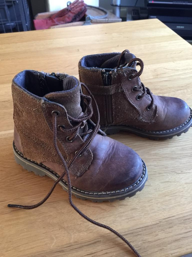 Children's Timberland leather boots size 7.
