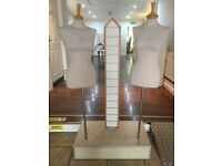 Double mannequin retail display stand on plinth with slatwall shop/market trader