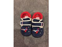 Size 5 clarks slippers