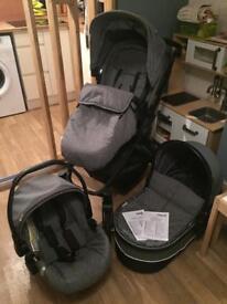 Hauck Maxan 4 Trio Set - pushchair, carrycot, car seat