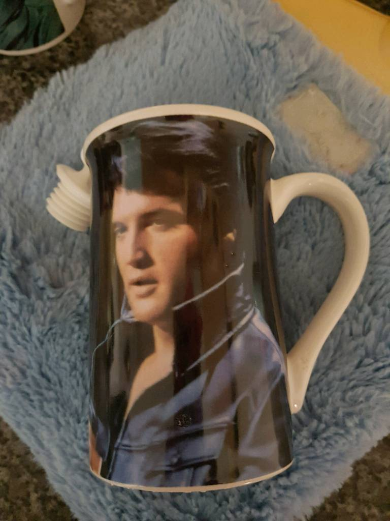 Collectable elvis mugs