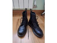 Dr Martens Black 4 UK