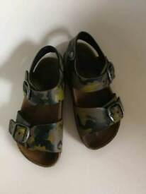 Boys green camouflage sandals - infant size 7,5