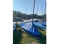 Splash sailing dinghy
