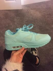 Trainers pastel turquoise reebok-style. BRAND NEW