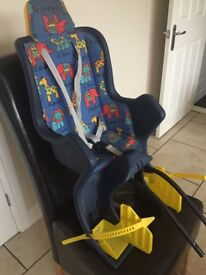 Toddler/infant bike seat with adjustable foot rests