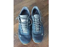 ON Cloudflow Swiss engineering size 8 men's running trainers
