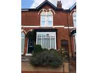 Large double room in end of terrace period house, Bournville