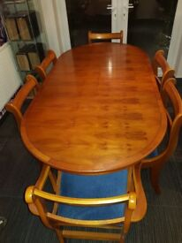 Extendable dining Dining table + 6 chairs inc 2 carvers