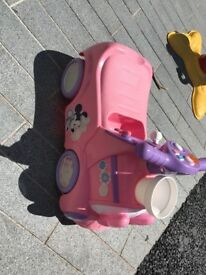 Minnie Mouse ride on train