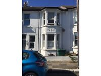 Lovely bright and sunny 1 bed flat in Poets Corner, Hove