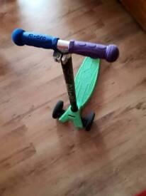 Maxi micro scooter. Feltham