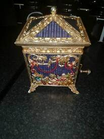 FRANKLIN MINT VICTORIAN SANTA MUSICAL Jack In the Box open to suitable offers