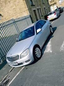 Mercedes-Benz C200 2lt diesel