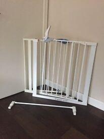 Baby gate/guard