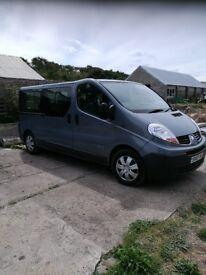 Renault trafic 9 seater minibus