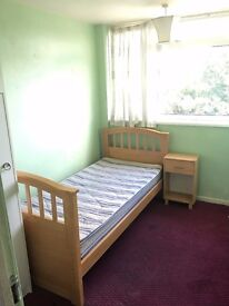 Single Room in Woking