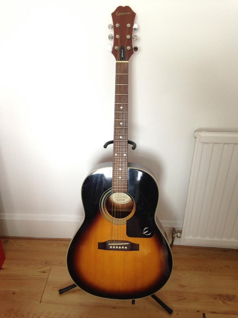 Beautiful Epiphone Gibson acoustic guitar *as new*