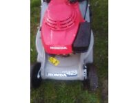 HONDA SELF PROPELLED PETROL LAWNMOWER IMMACULATE