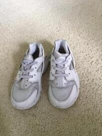 Nike huaraches size 9.5 for children