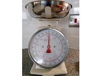 Cream vintage style kitchen scales