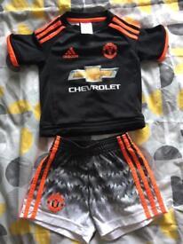 Boys Manchester United football kit
