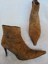 Size 6 and a half - Orangey / Brown - Sued zip up ankle boots