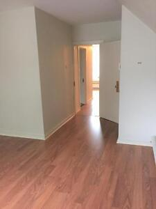 UNIQUE 3 BEDROOM - MAY 1ST - DOWNTOWN - HEAT INCLUDED