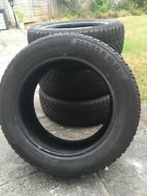 4 x 205/55/R16 Continental CONTIWINTERCONTACT Tyres